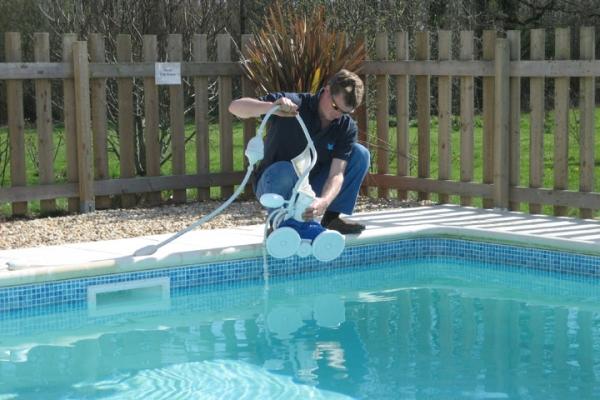 Comienza en llerena un curso de responsable de for Curso mantenimiento piscinas