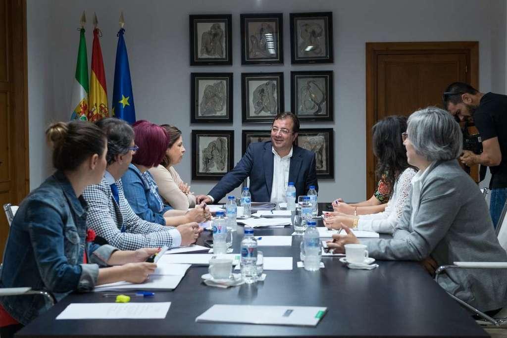 Calendario Laboral 2020 Extremadura.Aprobado El Calendario De Dias Festivos Para El Ano 2020