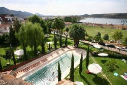 Album del balneario de alange vista superior piscina exterior del balneario de alange dam preview