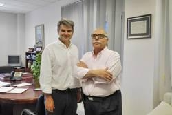 Reunion gerente del ses dr d ceciliano franco rubio y melchor trejo presidente de alcer badajoz 1188 dam preview