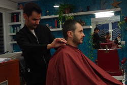 Afeitado en la barberia de sant boi de llobregat 21112014 dsc08180 dam preview