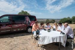 La dehesa plato natural para la tertulia televisiva de la gira gilbert y gaillard extremadura 2014 l dam preview