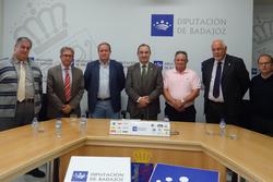 Firma convenio diputacion de badajoz and federaciones asoc extremenos en exterior firma convenio dip dam preview