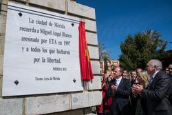 Gobex plaza miguel angel blanco el presidente del gobierno de extremadura jose antonio monago asiste dam preview