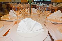 Dia de los enamorados en rte gredos restaurante gredos dot plasencia dam preview