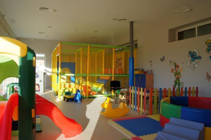 90916fd9b INSTALACIONES Guardería infantil en la piscina climatizada - Fotos ...