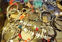 Amplia coleccion de joyas joyeria isidro diaz plasencia 8 dam preview