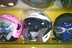 Nuestra tienda en plasencia 1 alcala motos dam preview