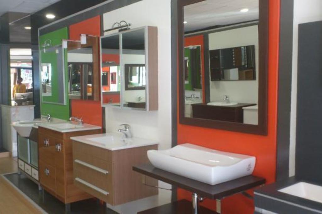 Muebles de ba o colecci n muebles y accesorios de ba os for Mueble accesorio bano