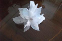 Tocados novia flor de plumas dam preview