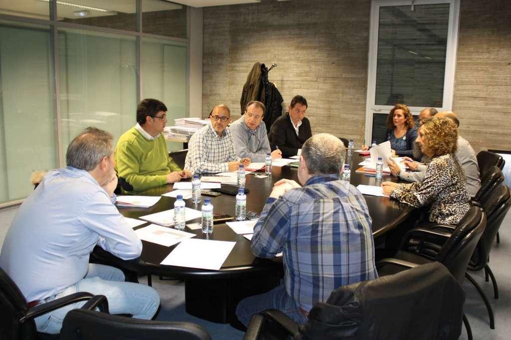 Convocatoria de 331 plazas al cuerpo de maestros Convocatoria para las plazas docentes 2016