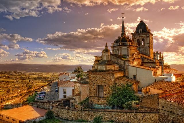 Qué ver en Jerez de los Caballeros? Iglesia de Santa María de la  Encarnación - Fotos | extremadura. com